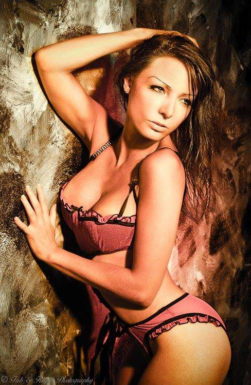 Axelle-stripteaseuse-valenciennes