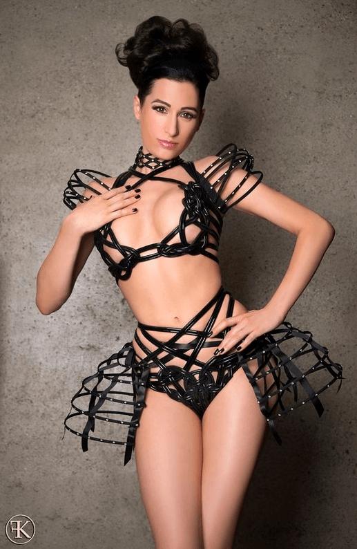 stripteaseuse 64