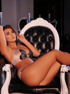 Rebecca – Bayonne